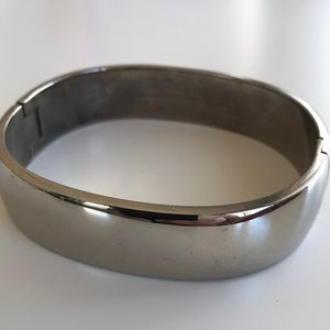 Jewelry - Vintage 925 silver hinged bangle
